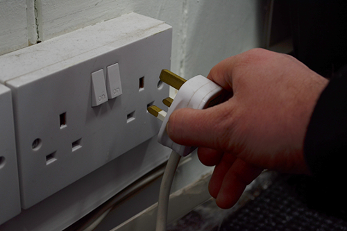 Managing Electrical Safety - Controlling Electrical Hazards (RoSPA Approved)